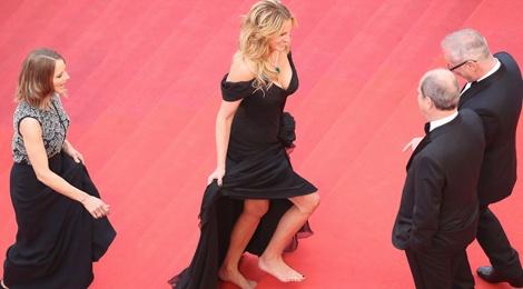 Julia Roberts di chan tran, pha luat tham do Cannes hinh anh