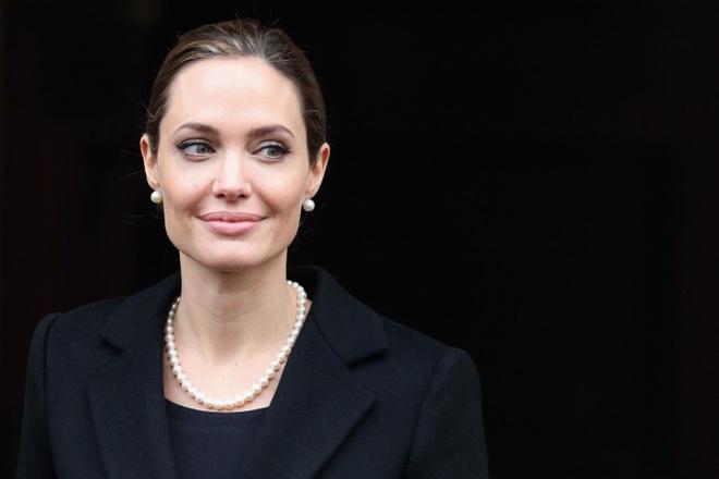 Angelina Jolie lam giao su thinh giang anh 1