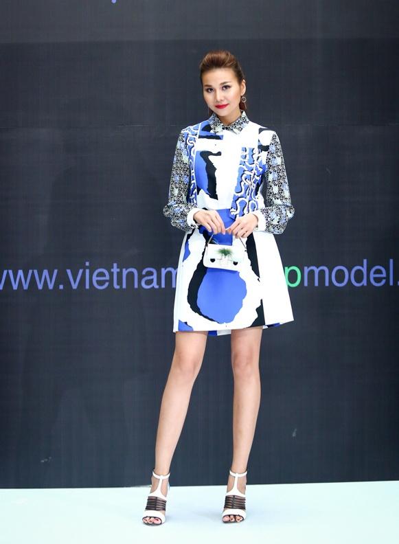 Thanh Hang, Ly Qui Khanh do hang hieu tren ghe nong hinh anh 3