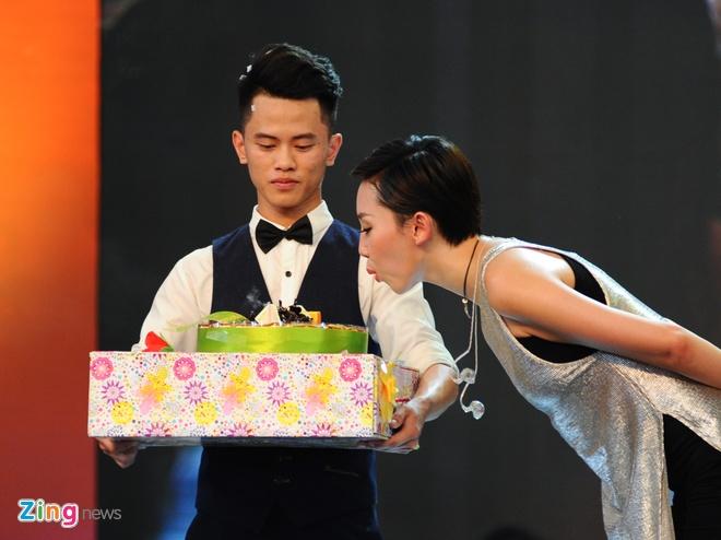Toc Tien bat khoc khi nhac den Wanbi Tuan Anh hinh anh 10