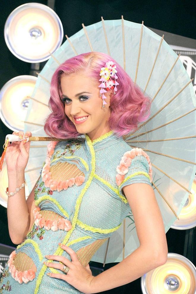 Katy Perry - tac ke hoa hay bieu tuong thoi trang? hinh anh 12