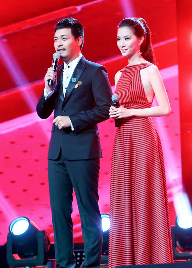 Phan Anh - quy ong sac mau tren san khau hinh anh 1