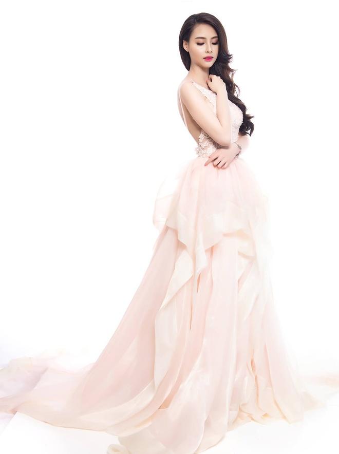 Hoa hau Bien Thuy Trang: 'Khong muon tam trang, sua nguc' hinh anh 1