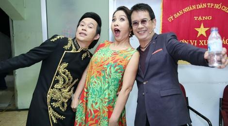 Hoai Linh, My Linh quay het co trong hau truong hinh anh