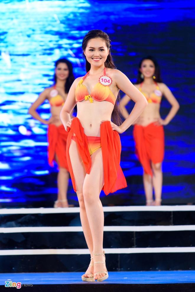 Top 18 Hoa hau Viet Nam mien Bac nong bong voi ao tam hinh anh 15
