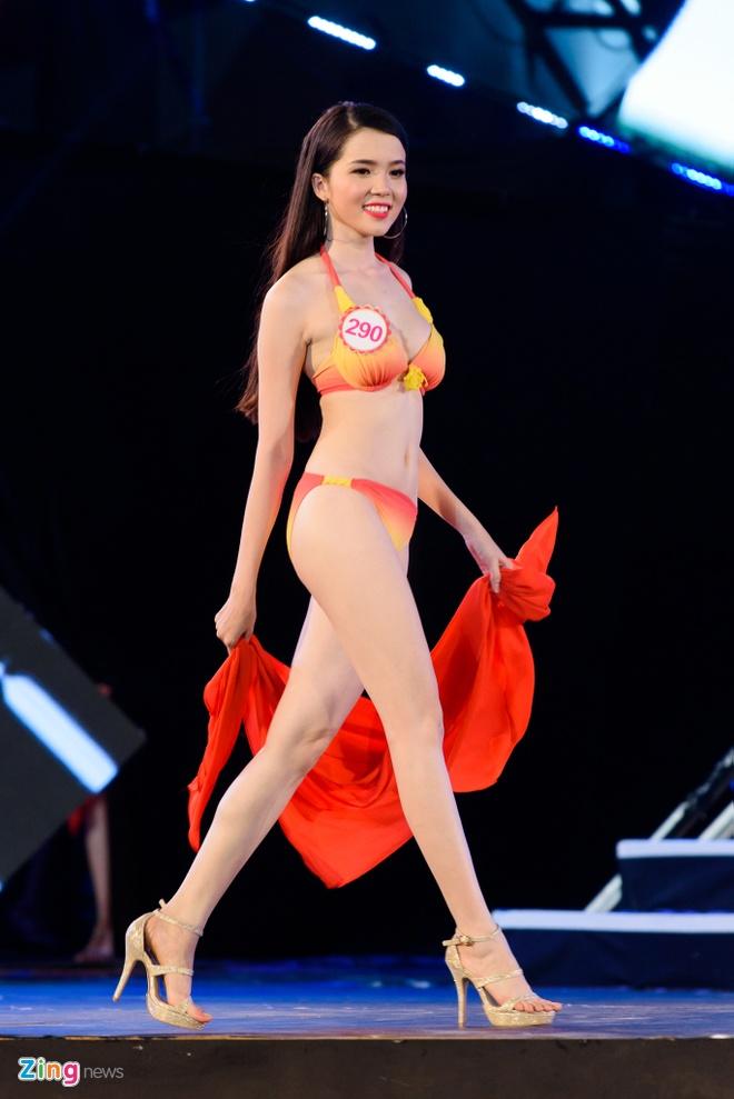 Top 18 Hoa hau Viet Nam mien Bac nong bong voi ao tam hinh anh 6