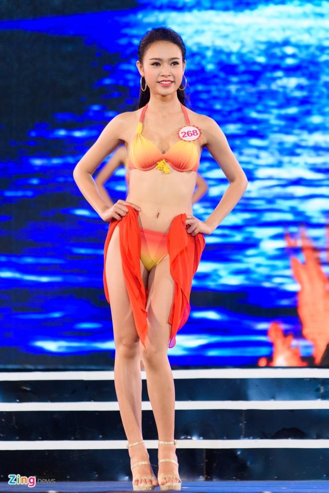 Top 18 Hoa hau Viet Nam mien Bac nong bong voi ao tam hinh anh 7