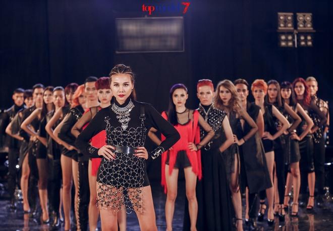 Thanh Hang quyen luc ben dan thi sinh Next Top Model hinh anh 1