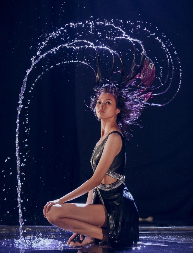Thanh Hang quyen luc ben dan thi sinh Next Top Model hinh anh 4