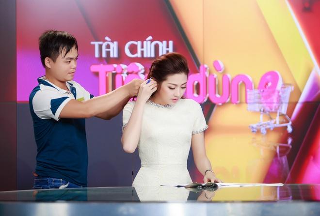 A hau Tu Anh lan dau len song VTV24 hinh anh