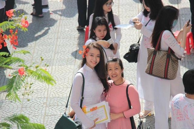 Nuoc mat cua thi sinh bi bong phai roi Hoa hau Viet Nam 2016 hinh anh 2