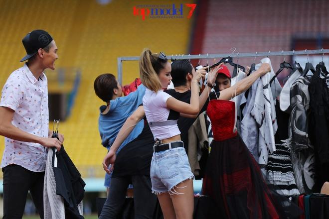 Ly Qui Khanh xe vay thi sinh Next Top Model hinh anh 1