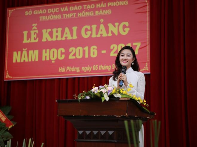 Hoa hau Thu Ngan du khai giang truong cu o Hai Phong hinh anh 7