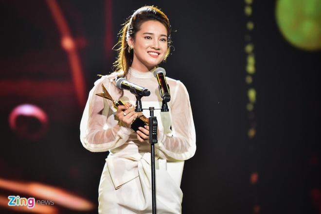 Nha Phuong, Truong Giang cung thang giai VTV Awards hinh anh 2