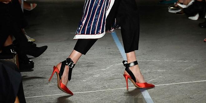 Giay 2 mui - phu kien doc dao nhat New York Fashion Week hinh anh 10