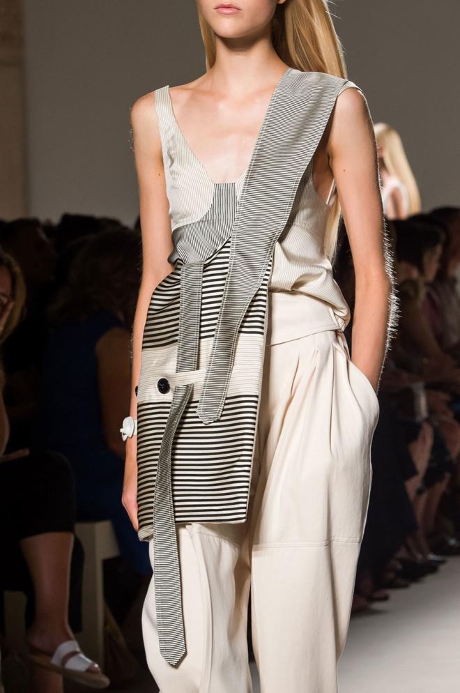 Giay 2 mui - phu kien doc dao nhat New York Fashion Week hinh anh 12