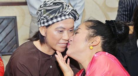 Thuy Nga hon tuong sap cua Hoai Linh hinh anh