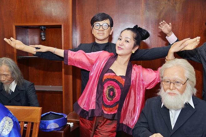 Thuy Nga hon tuong sap cua Hoai Linh hinh anh 4