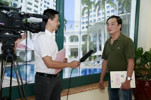 MC Dan Le con dau NSND Khai Hung anh 3