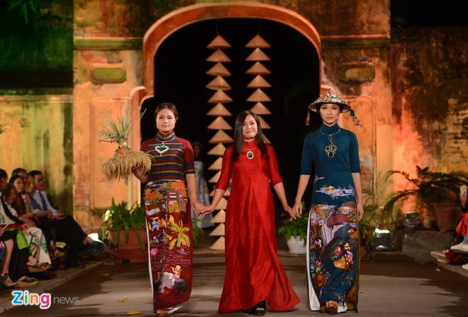 Nguoi dep HHVN trinh dien ao dai o Hoang thanh Thang Long hinh anh 4