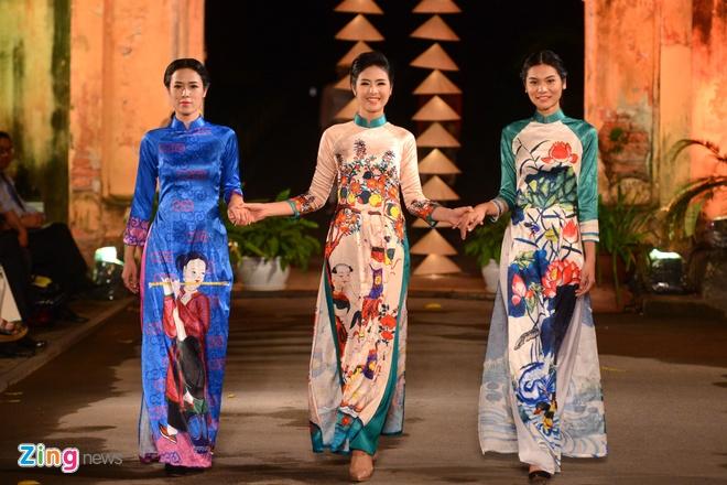 Nguoi dep HHVN trinh dien ao dai o Hoang thanh Thang Long hinh anh 5