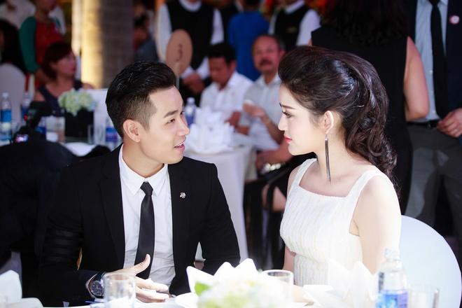 MC Nguyen Khang lich lam ben a hau Huyen My hinh anh 5