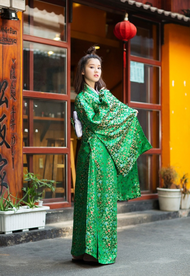 Hoang Yen Chibi mac kimono anh 5