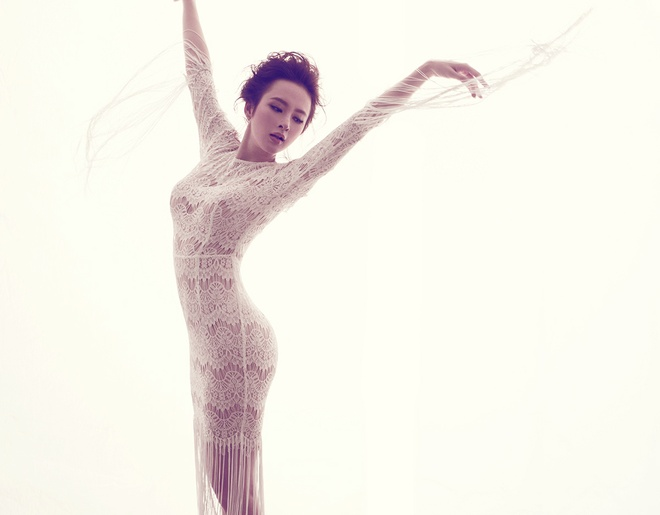 Angela Phuong Trinh quyen ru voi dam ren mong hinh anh 8