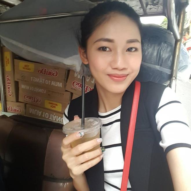 Hoa hau My Linh day dut vi chua the ve mien Trung cuu tro hinh anh 3