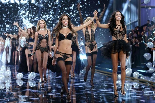 Victoria's Secret Show 2016 lo so bi khung bo hinh anh 2