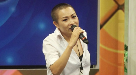 Phuong Thanh lan dau len truyen hinh voi mai dau troc hinh anh