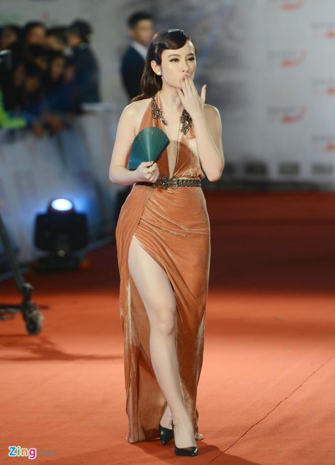 Mac vay xe tao bao, Angela Phuong Trinh lam nao loan tham do hinh anh 1