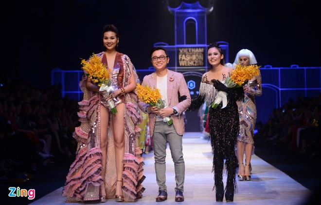 Hot girl cao 1,55 m mo man show Cong Tri hinh anh 3