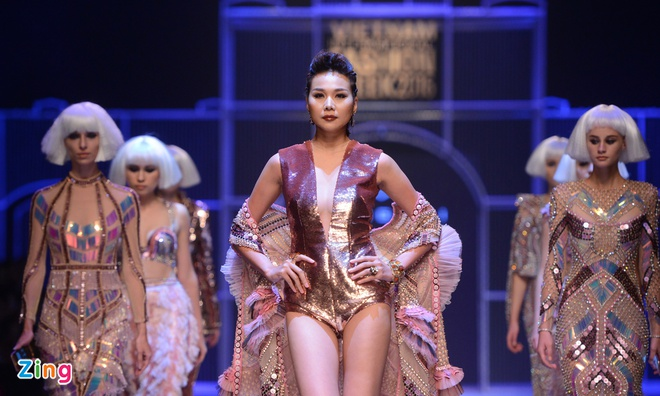 Vietnam International Fashion Week thu dong anh 3