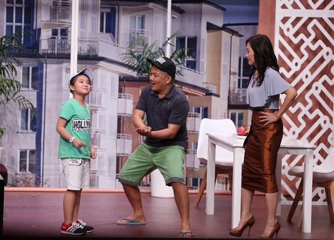Tran Thanh hon Hua Vi Van tren san khau On gioi hinh anh 13