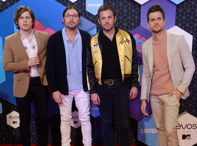 Nguoi dep do mot xuyen thau tren tham do MTV EMA 2016 hinh anh 16