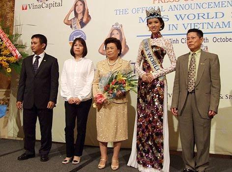 Ty phu Hoang Kieu Ngoc Trinh anh 2