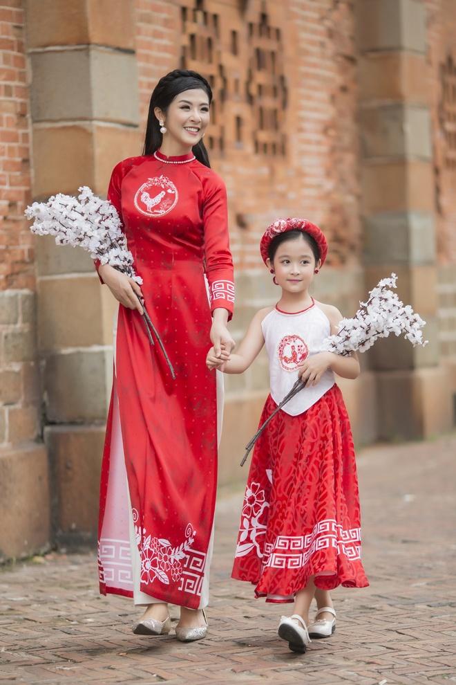 Bao Ngoc lam mau cung Ngoc Han anh 2
