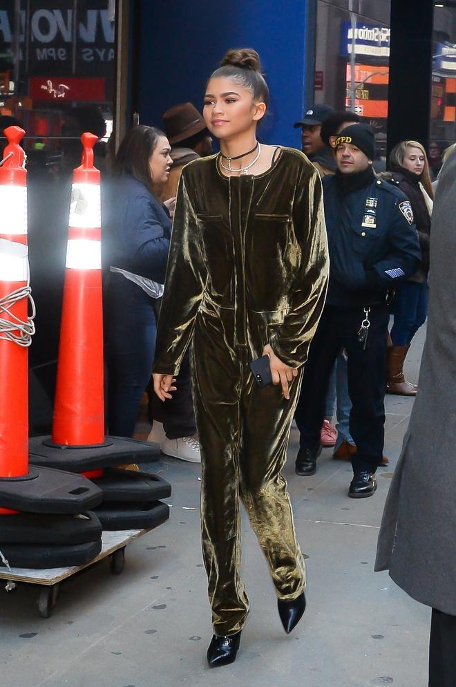 Cong nuong Kate Middleton, Rihanna mac dep nhat tuan hinh anh 5