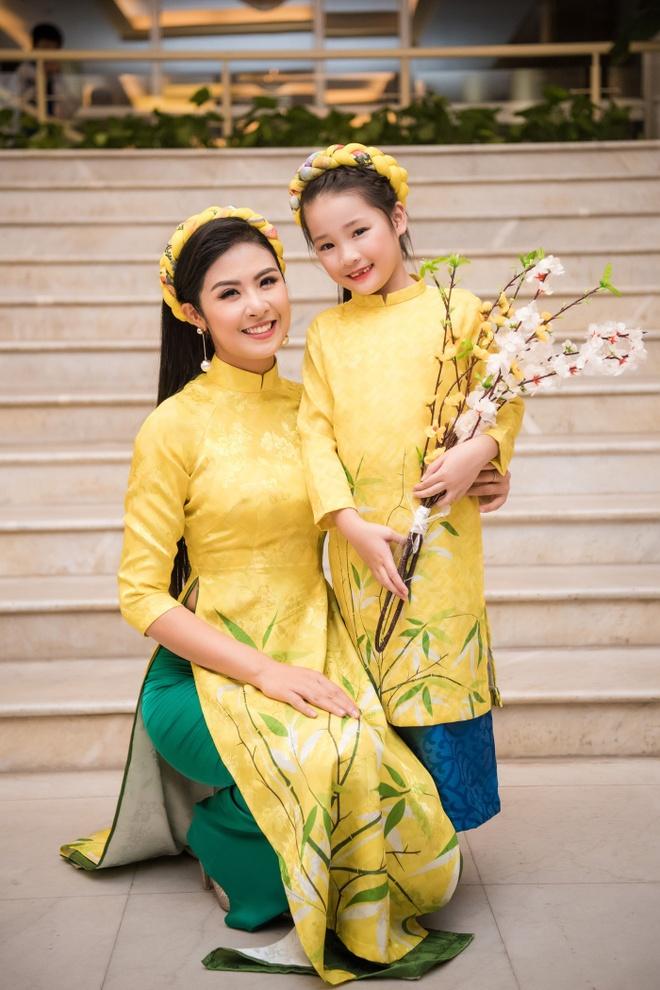 Hoa hau Ban sac Viet Thu Ngan anh 1