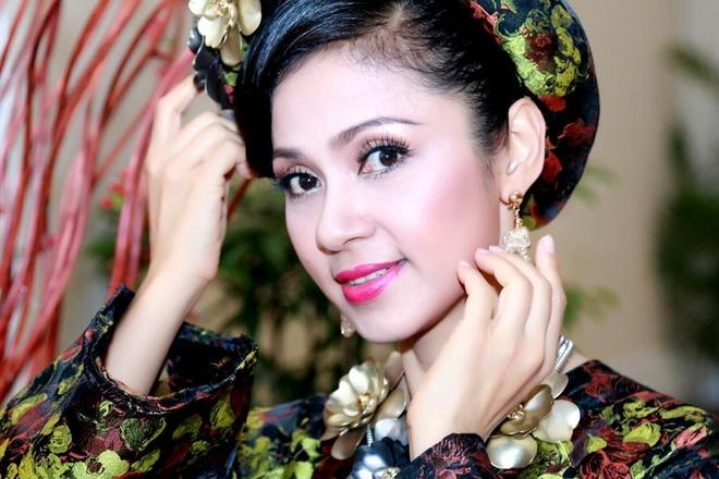 Viet Trinh duoc khan gia tang vang khong dem xue hinh anh