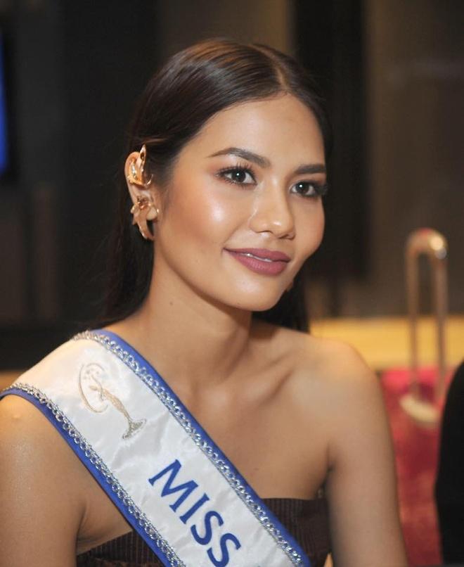 Hoa hau Thai Lan mang 300 kg hanh ly di thi Miss Universe hinh anh 2