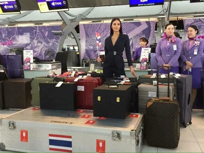 Hoa hau Thai Lan mang 300 kg hanh ly di thi Miss Universe hinh anh 1