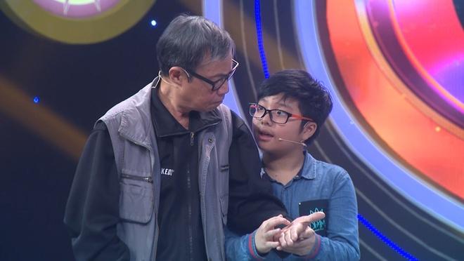 MC Thao Van xuc dong truoc tinh cam cua cha Cong Ly hinh anh 1