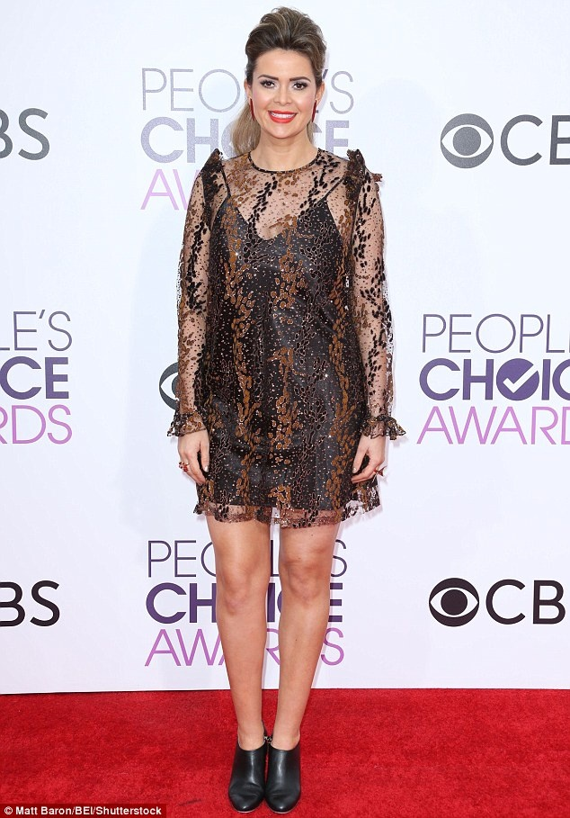 Jennifer Lopez mac dep nhat tham do People's Choice Awards hinh anh 12