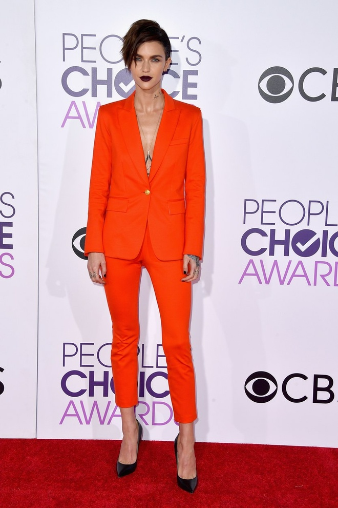 Jennifer Lopez mac dep nhat tham do People's Choice Awards hinh anh 8