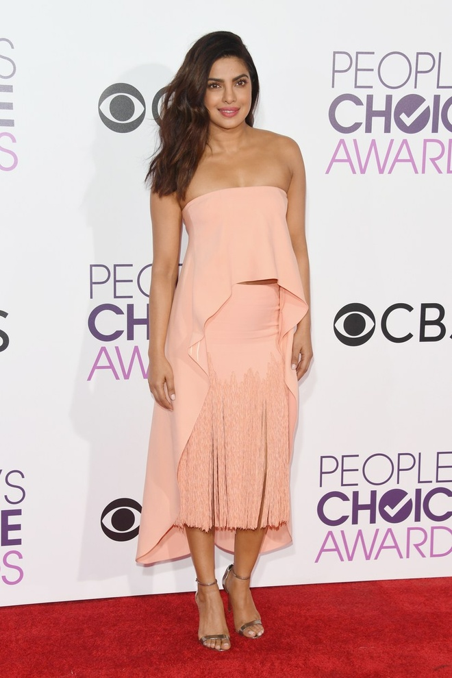 Jennifer Lopez mac dep nhat tham do People's Choice Awards hinh anh 4