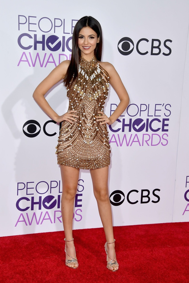 Jennifer Lopez mac dep nhat tham do People's Choice Awards hinh anh 6