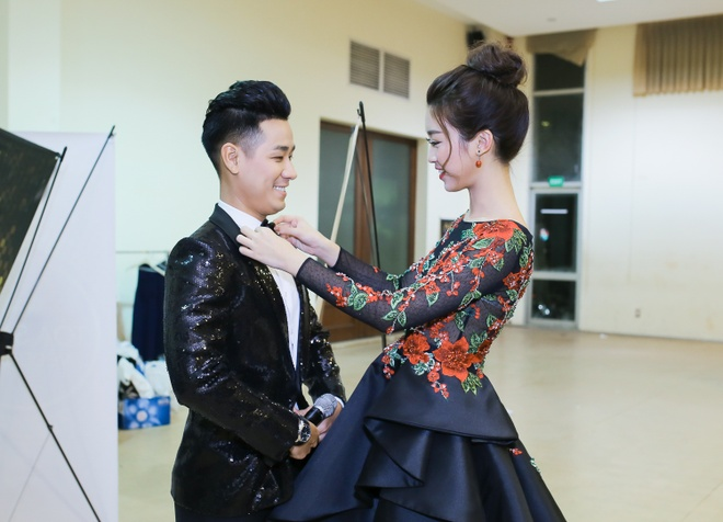 Nguyen Khang bi 'dim' chieu cao khi dung canh a hau Thanh Tu hinh anh 1