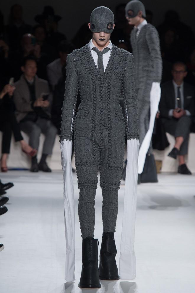Mot tay ao dai quet dat len ngoi tai Paris Fashion Week hinh anh 3